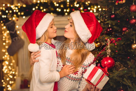 happy, mother, and, daughter, in, santa - 20549937