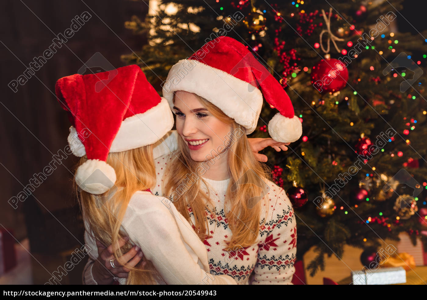 happy, mother, and, daughter, in, santa - 20549943