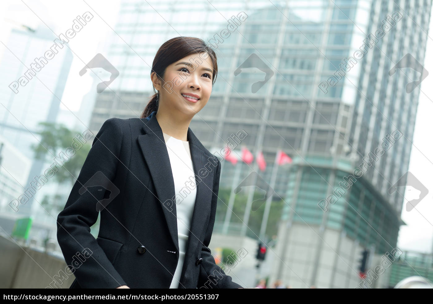 businesswoman, at, outdoor - 20551307