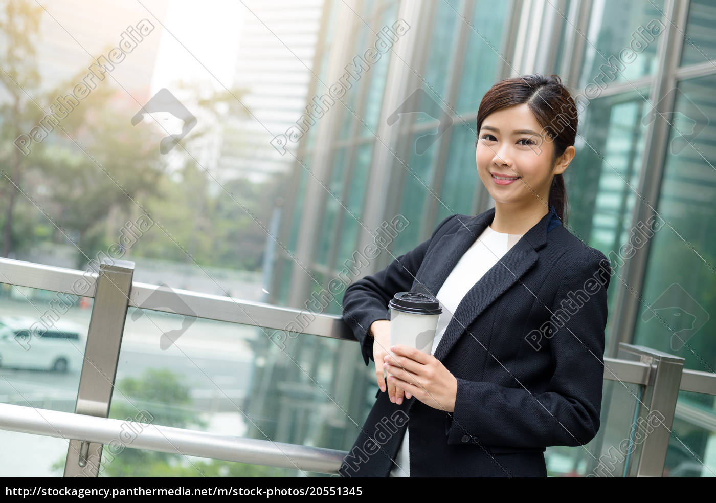 businesswoman, take, a, break - 20551345