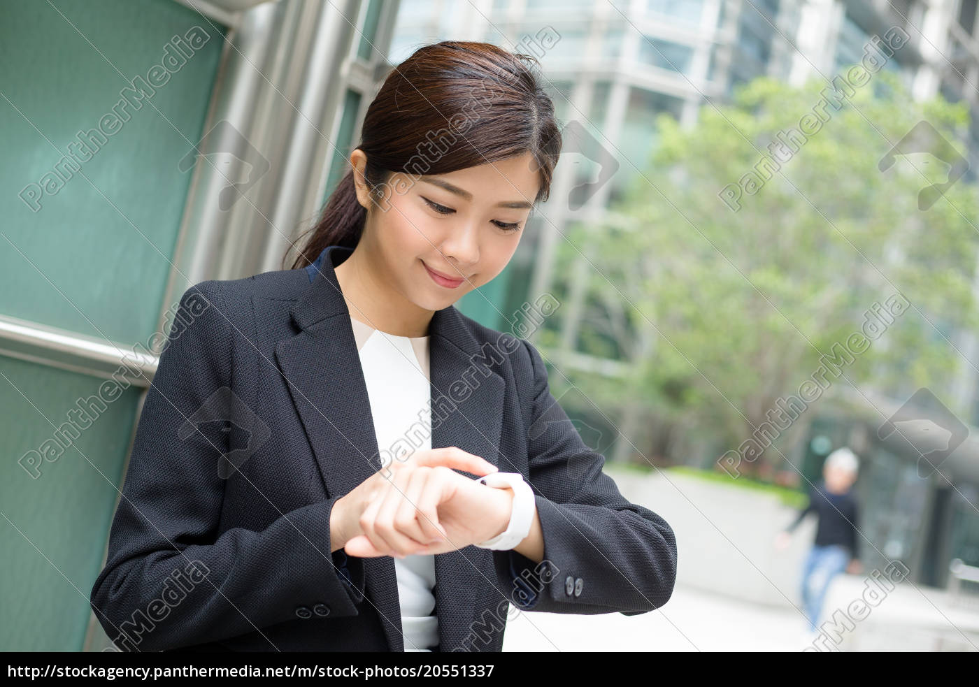 businesswoman, use, of, smart, watch - 20551337
