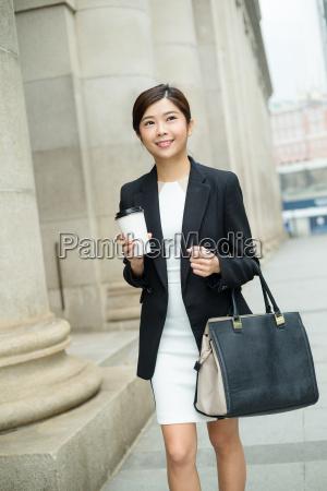 businesswoman, walking, at, street - 20551237