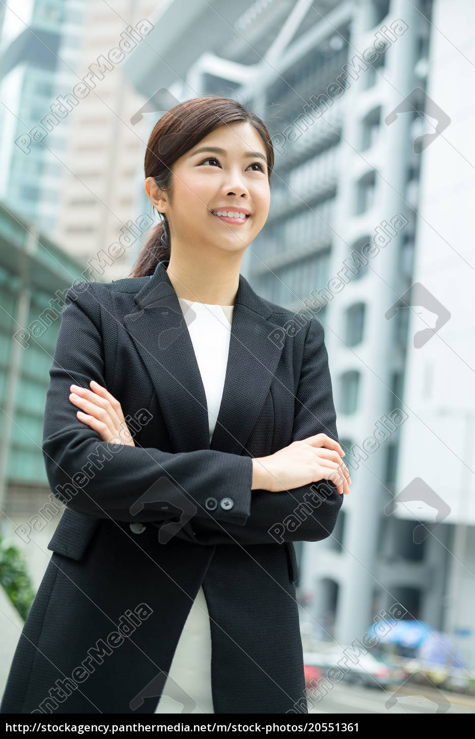young, businesswoman - 20551361