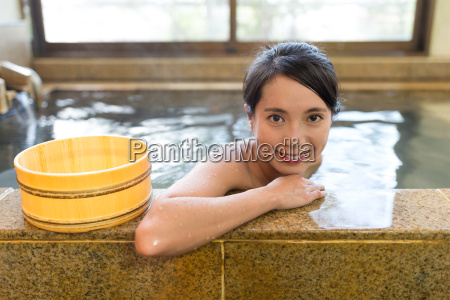 woman, enjoy, her, bath - 20553093
