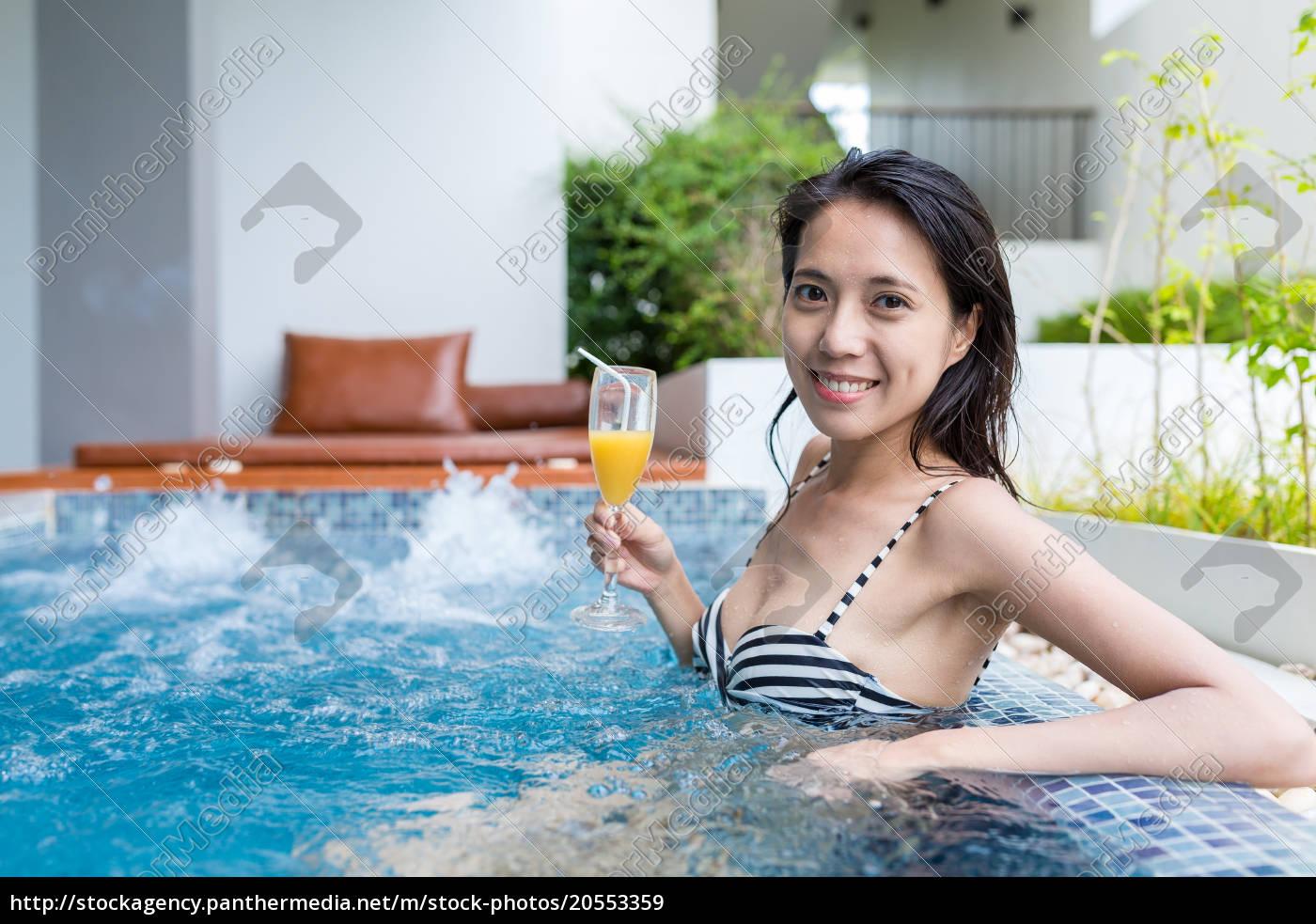 woman, enjoy, in, jacuzzi, spa - 20553359