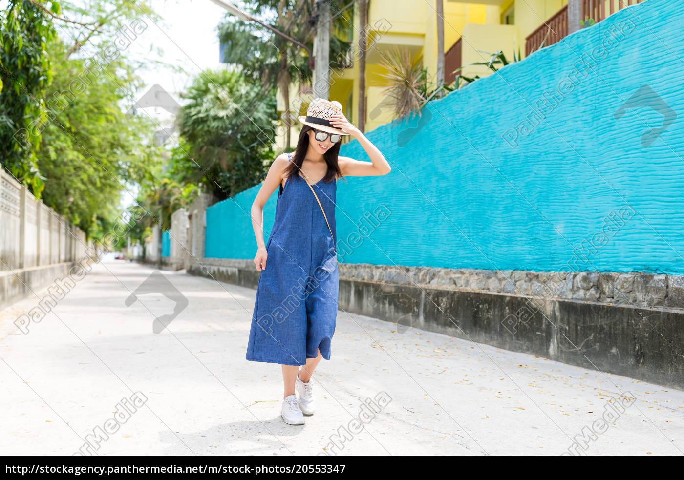 woman, walking, at, outdoor - 20553347