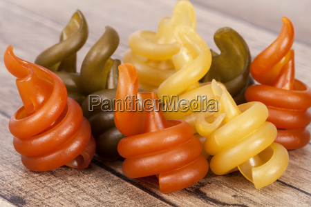 spiral, pasta, trottole, tricolore, on, wooden - 20555911