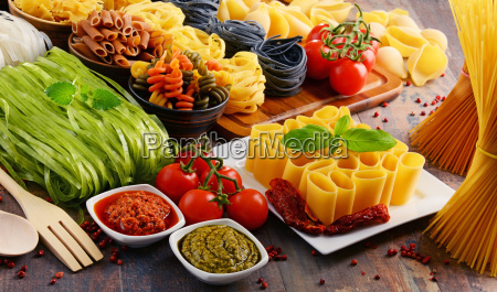 composition with different sorts of pasta