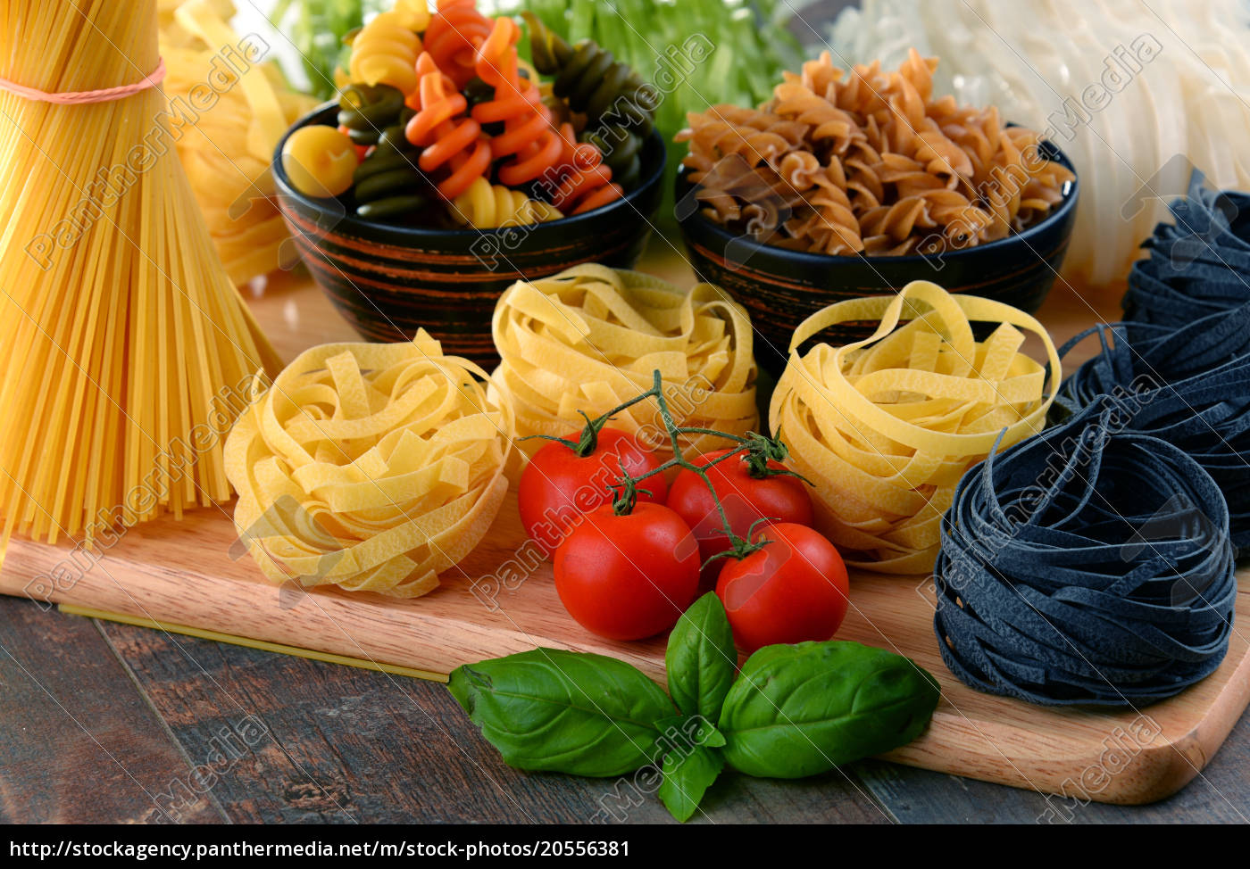 composition, with, different, sorts, of, pasta - 20556381