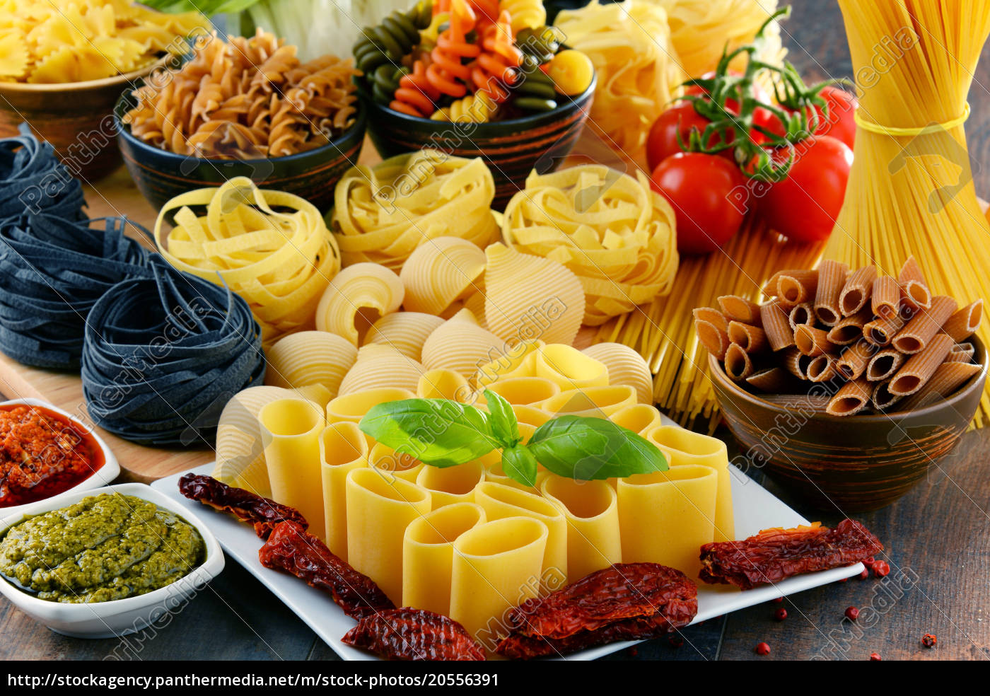 composition, with, different, sorts, of, pasta - 20556391