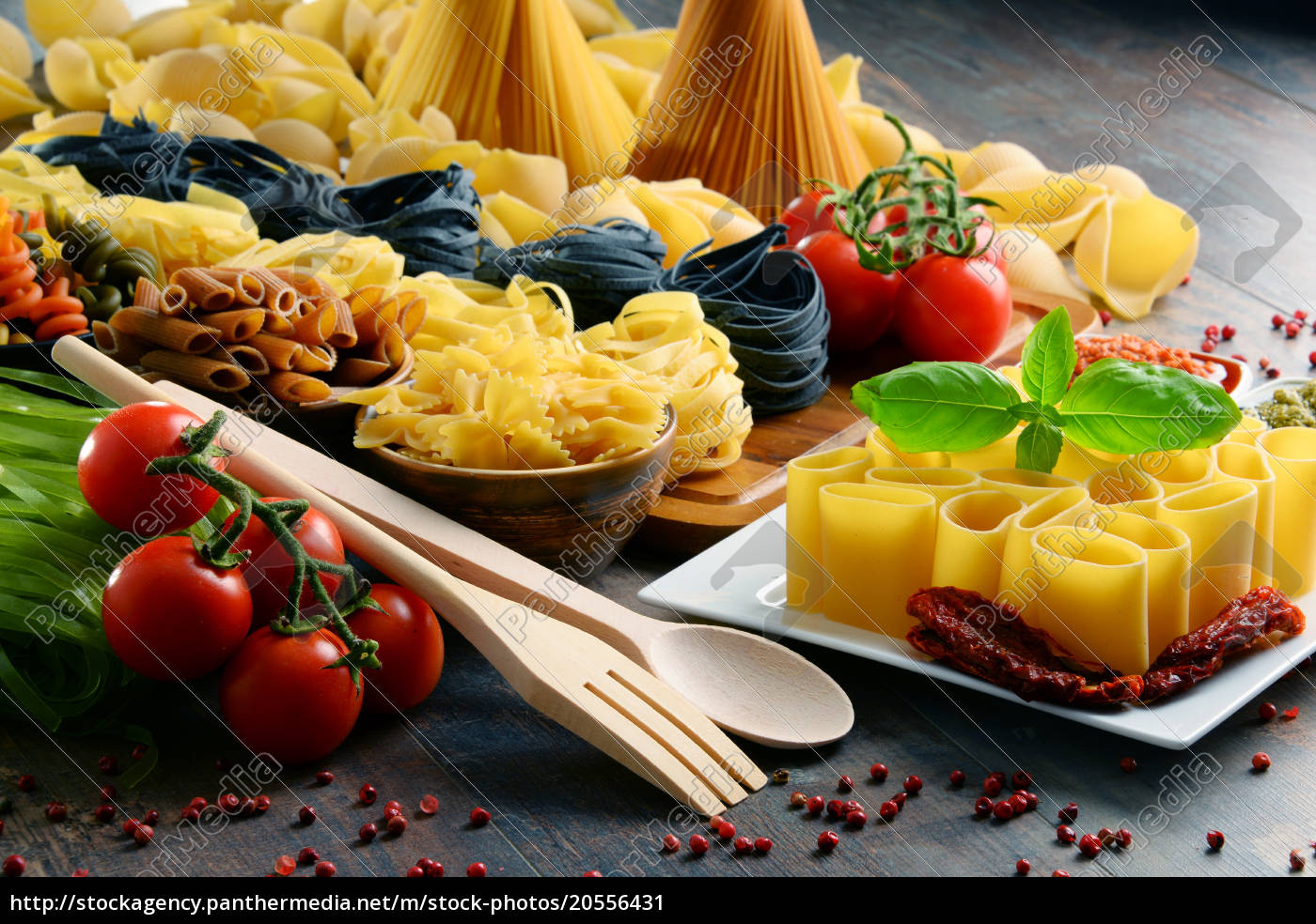 composition, with, different, sorts, of, pasta - 20556431