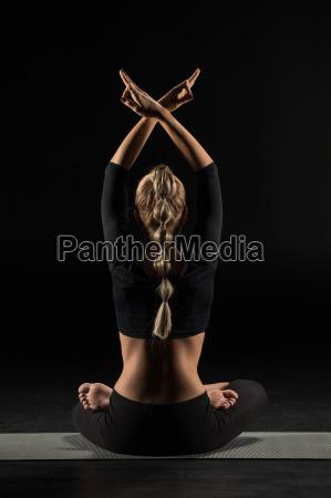 woman, sitting, and, meditating - 20556879