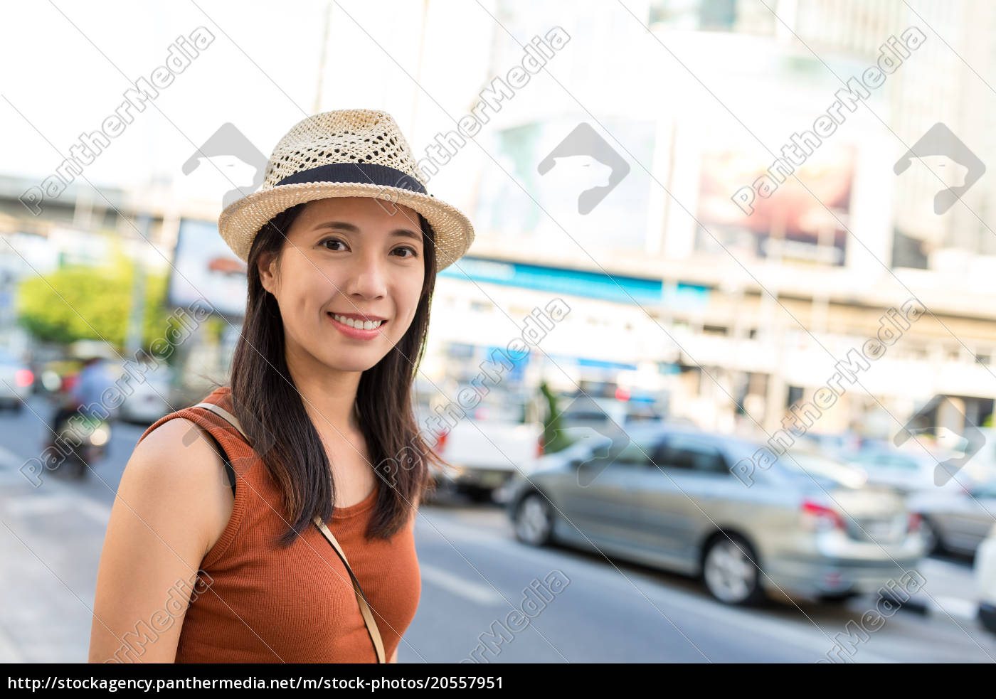 happy, woman, go, travel, in, bangkok - 20557951