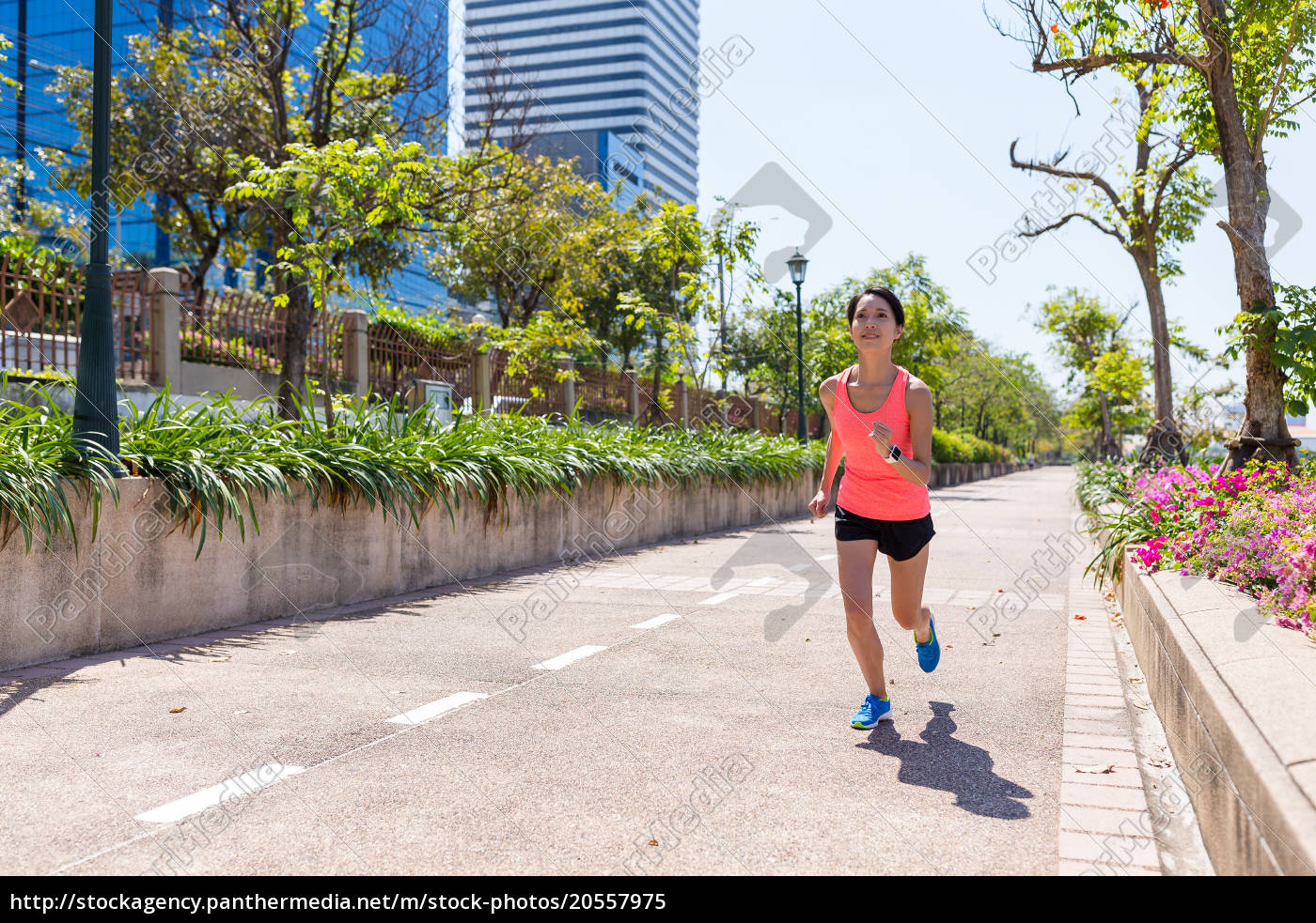 sport, woman, practice, running, at, city - 20557975