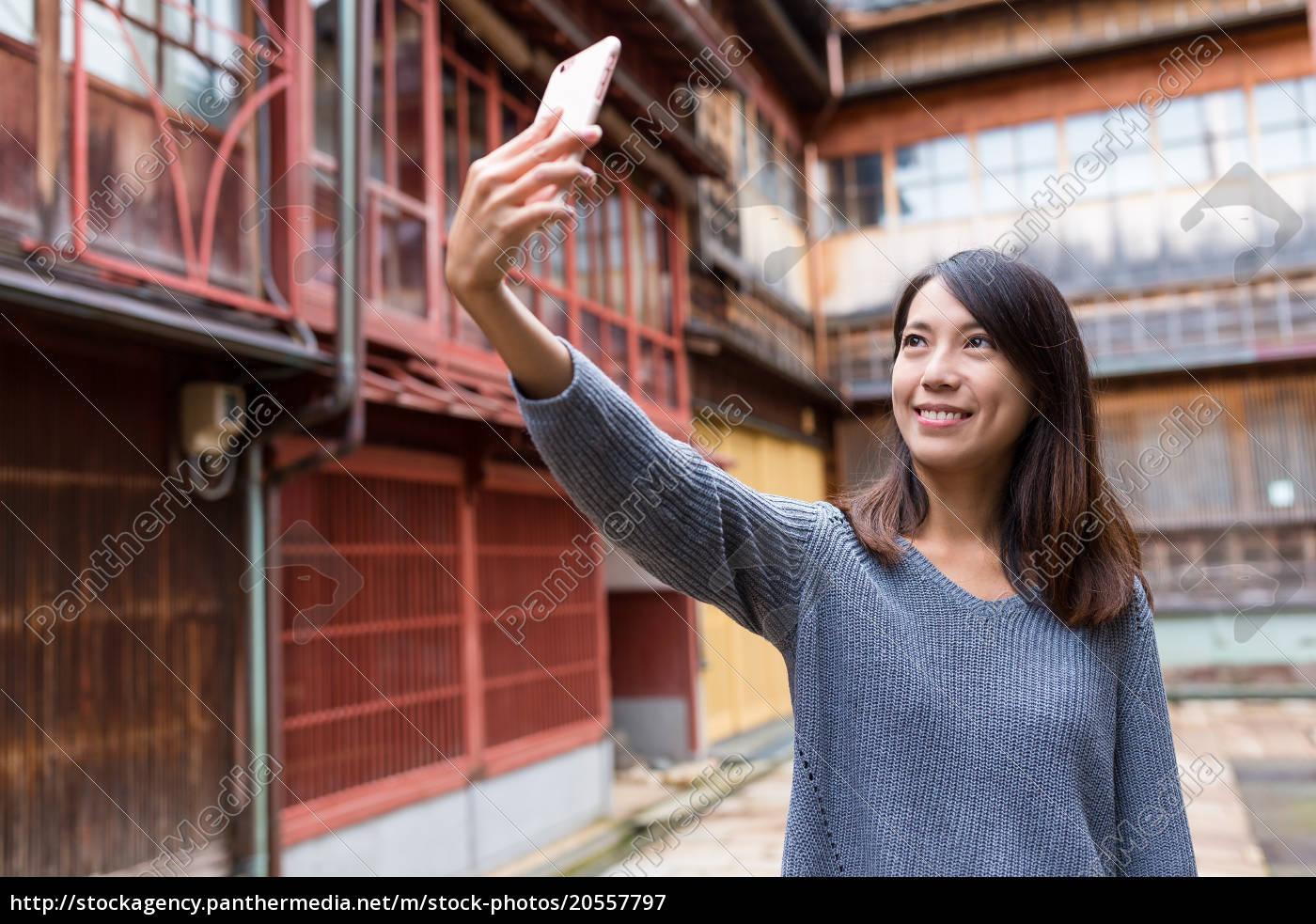 woman, travel, in, kanazawa, and, taking - 20557797