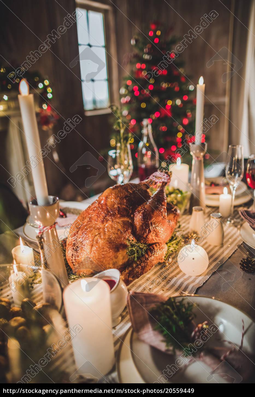 roasted, turkey, on, holiday, table - 20559449