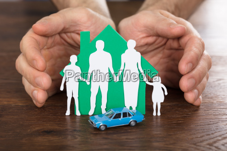 person, protecting, house, model, with, family - 20562847