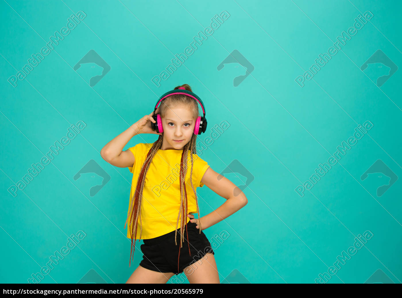 the, attractive, girl, with, headphones, on - 20565979