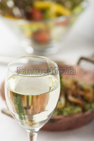 white wine and spinach spaetzle with