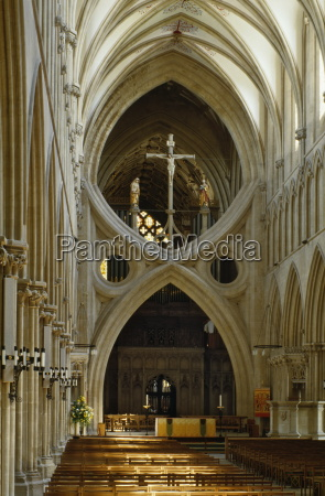scissor arch in wells cathedral somerset