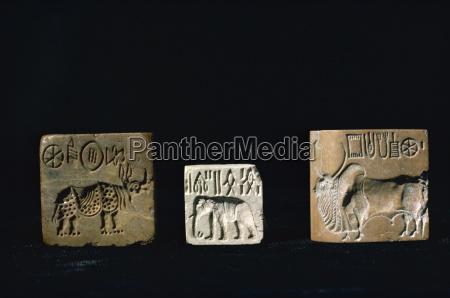seals from mohenjodaro karachi museum pakistan