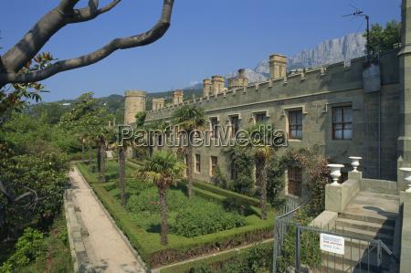 alupka palace yalta crimea ucraina europa