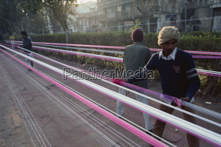 kite string production string is coated