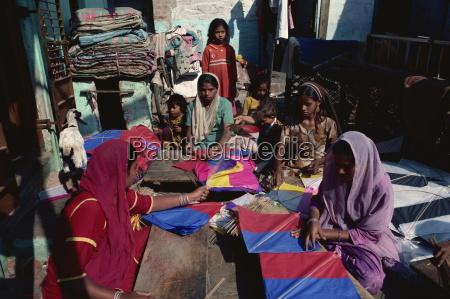 muslim women making vast quantities of