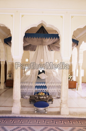 traditional rajput columns and cuspid arches
