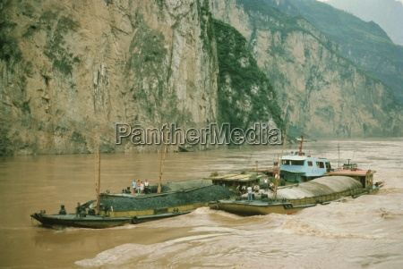 coal barges in the xiling gorge