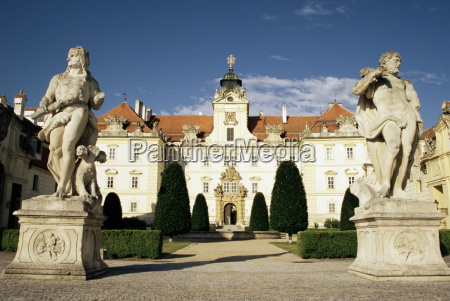 baroque castle dating from the 12th