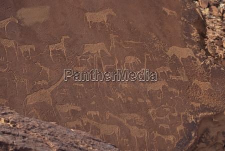 etchings on sandstone 6000 years old