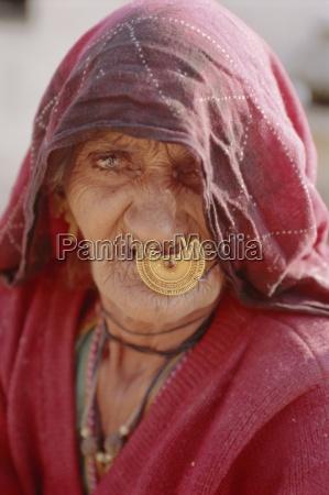 old woman jodhpur rajasthan india