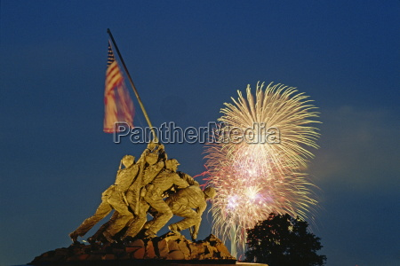 fireworks over the iwo jima memorial