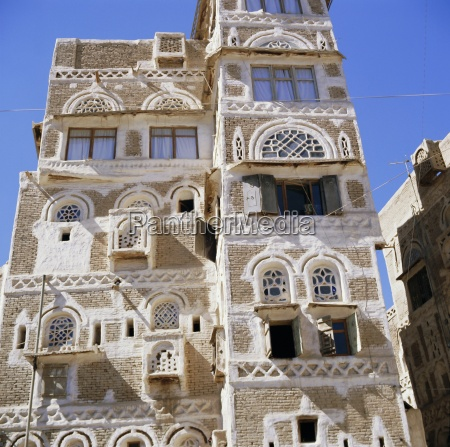 traditional multi storey house in sanaa