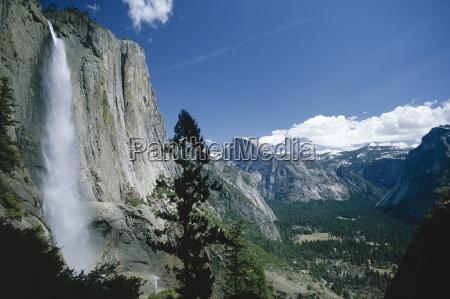 upper yosemite falls cascades down the