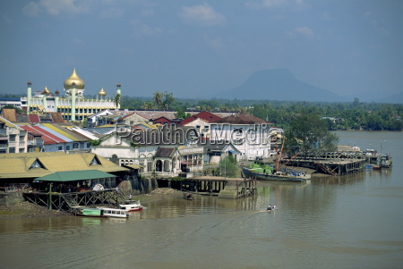 the sarawak river with the state