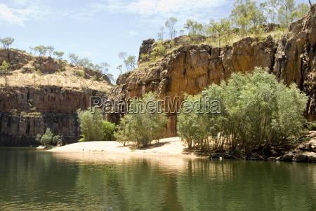 nitmiluk gorge in hard sandstone katherine