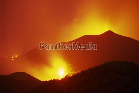 eruptions at the monti calcarazzi fissure