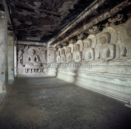 seven buddhas under a tree cave