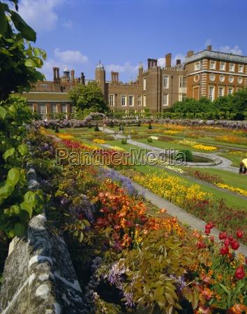 sunken gardens king william and queen