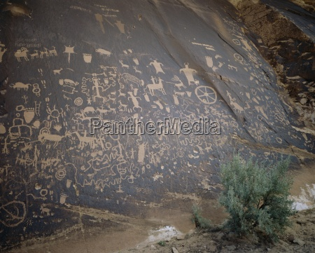 newspaper rock the navajo native americans