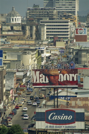 view down 7 avenida with advertising