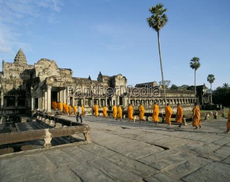 buddhist monks angkor wat angkor unesco