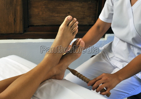 dagdagay authentic filipino tribal foot massage