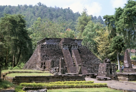 the 15th century temple of candi