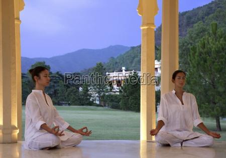 meditation at the pavilion at ananda