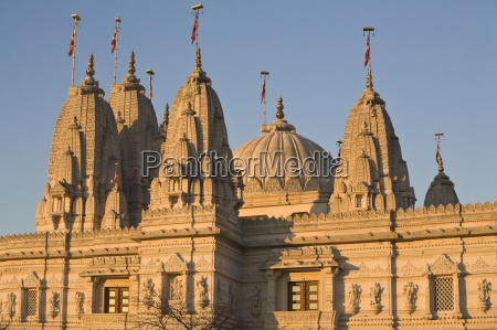 shri swaminarayan mandir temple the largest