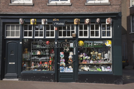 curiosity shop in jordaan district amsterdam