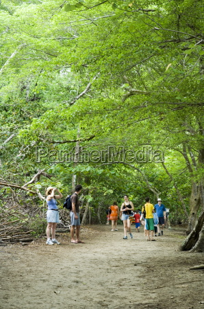 visitors to manuel antonio national park